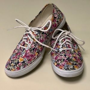 Vans Floral classic Off The Wall skate shoe, Sz 9